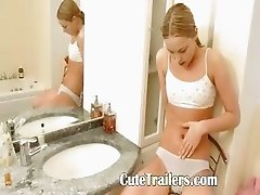 Ivana teenager pleasuring both holes