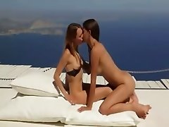 lezz lovers enjoying unbelievable sex