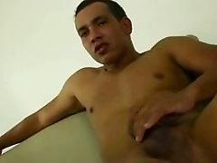 Kinky tranny Lourranny loves to suck cock