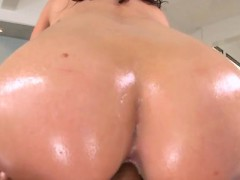 Juicy butt receives overspread with oil