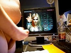 jerking for  Avril Lavigne Hot Video
