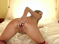 sweet babe pushes in pussy white candles