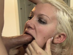Layla Pryce gets face fucked