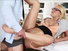 Blonde slut Vanessa seduces her boss