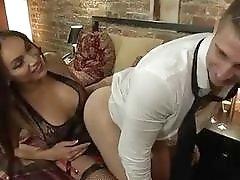 Gorgeous Tranny babe Yasmine Lee uses her waiter's tight asshole