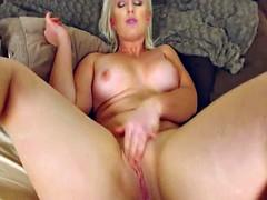 Flawless curvy babe masturbating her pussy