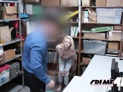 Blondie makes faces as she gets fucked