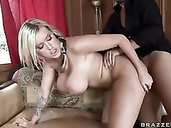Memphis Monroe dusts the house and takes dick