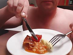 Cum on food - english breakfast