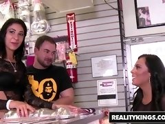 RealityKings - Money Talks - Esmi Lee Gianna Nicole Mi - Body In Motion