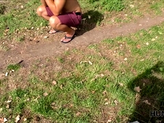 Guy does not mind if I fuck his gf in the park for money.