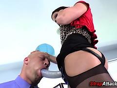 Mistress humiliates creep