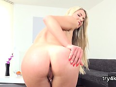 Fervent chick blows penis in pov and gets pink twat fucked