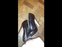 Cum over K's heels