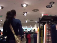 MallCuties - Amateur girl sucks a stranger in a shop