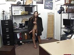 Perky tits babe screwed at the pawnshop