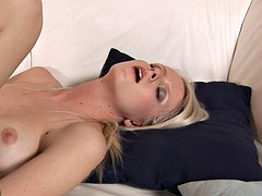 plays wet fingers with juicy pussy