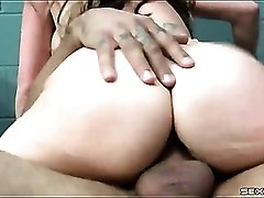 Courtney Cummz fucked in a pair of sexy fishnets