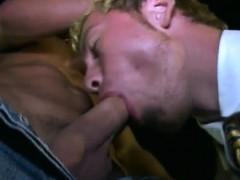 Gay men barebacking free porn photos free sites He was into