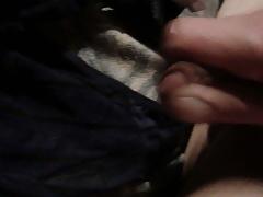 sperma geil rein in den Slip