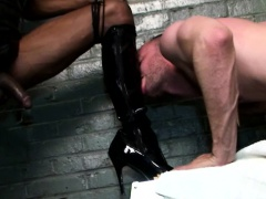 Black Tranny Domme Uses White Guy