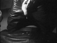 Leather Cum, in Leder abspritzen