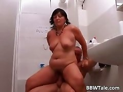 Mature BBW slut sucks muscle dude part4