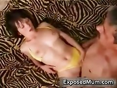Mom in yellow bikini wants to fuck part4